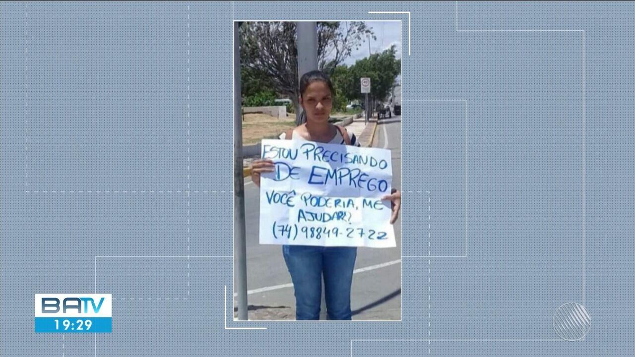 Juazeirense consegue emprego após usar cartaz para pedir ajuda em sinaleira