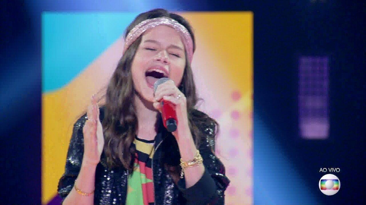 Giulia Levita canta
