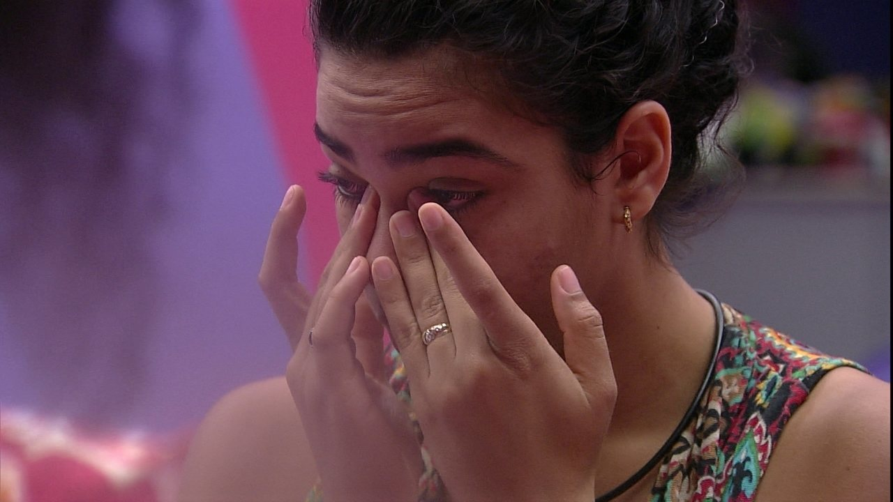Elana diz que vai parar de chorar e fala de Danrley: 'Não gostaria de me ver assim'