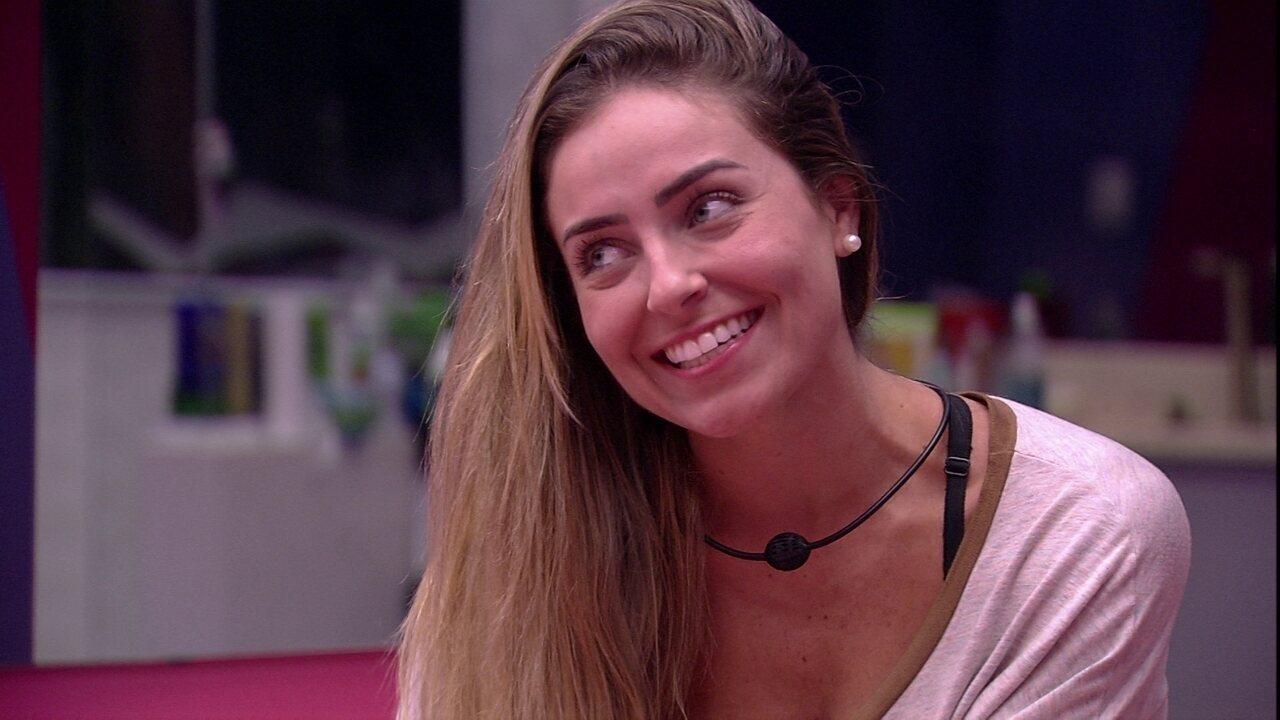 Paula aconselha Elana sobre Prova do Líder: 'Se eu fosse você, eu agarrava na Carolina'