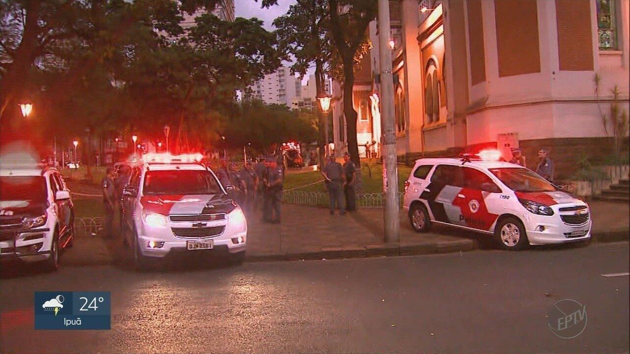 Homem armado é preso no interior da Catedral de Ribeirão Preto, SP