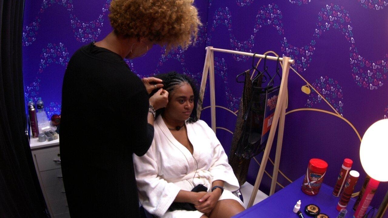 Transformação Embelleze: Rízia elogia penteado e diz: 'Eu tô zero defeitos'