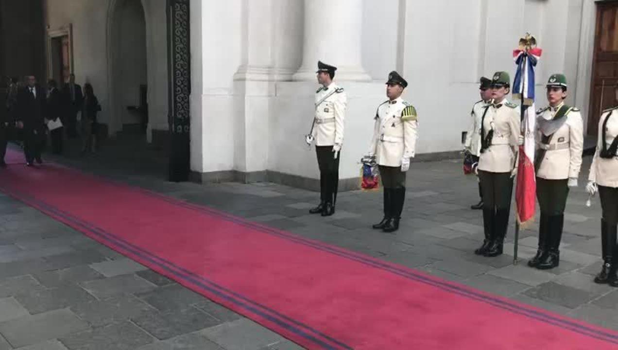 Bolsonaro foi recebido no Palácio de La Moneda pelo presidente do Chile, Sebastián Piñera