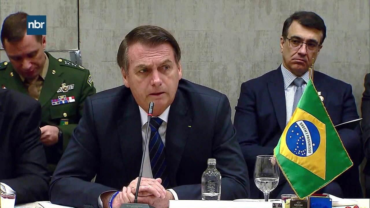 Bolsonaro defende reforma da Previdência durante café da manhã com empresários no Chile