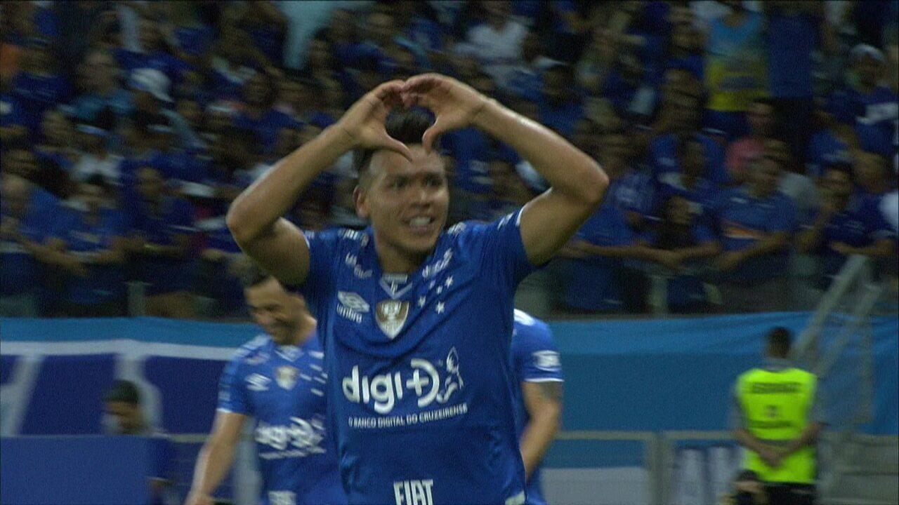 Gol do Cruzeiro! Mais um de Marquinhos Gabriel, que saiu na cara do goleiro para marcar, aos 3 do 2ºtempo