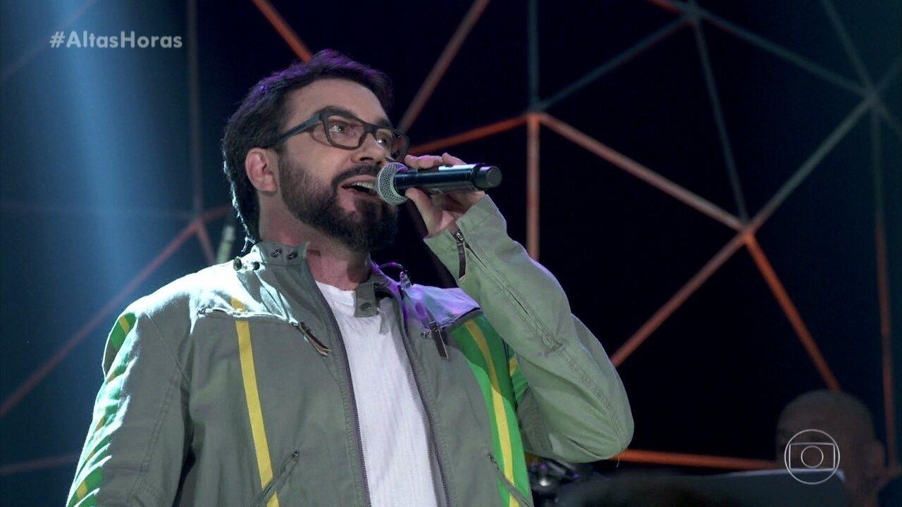 Padre Fábio de Melo abriu as apresentações com 'Canção da América'
