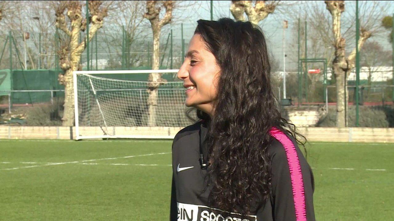 Camisa 10 do PSG, afegã Nadia Nadim revela que futebol e admiração por Ronaldo a fizeram superar horror da guerra em seu país