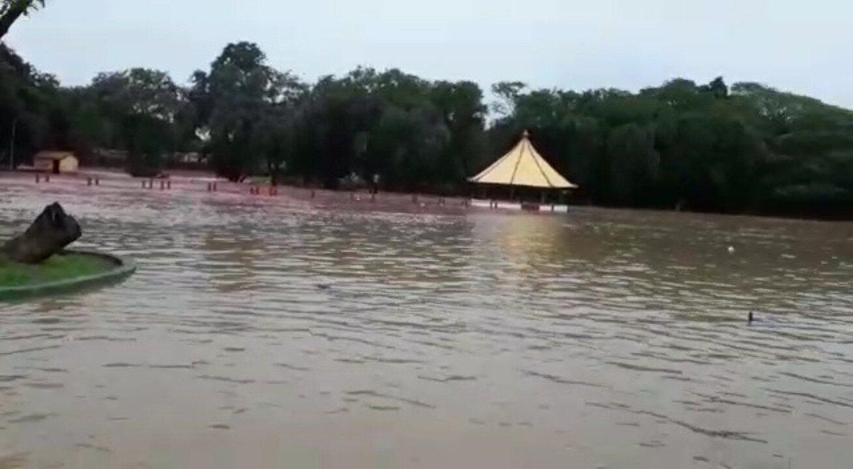Parque aquático no Paço do Lumiar ficou completamente alagado