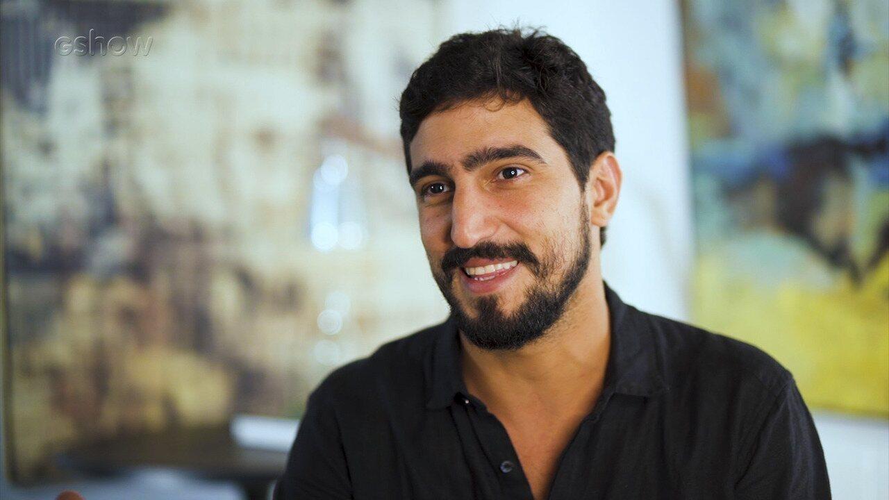 Renato Góes fala sobre parceria com Julia Dalavia em