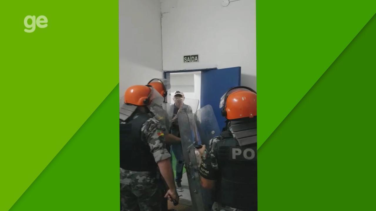 Árbitros da partida entre Aimoré x Caxias sofrem tentativa de agressão nos vestiários