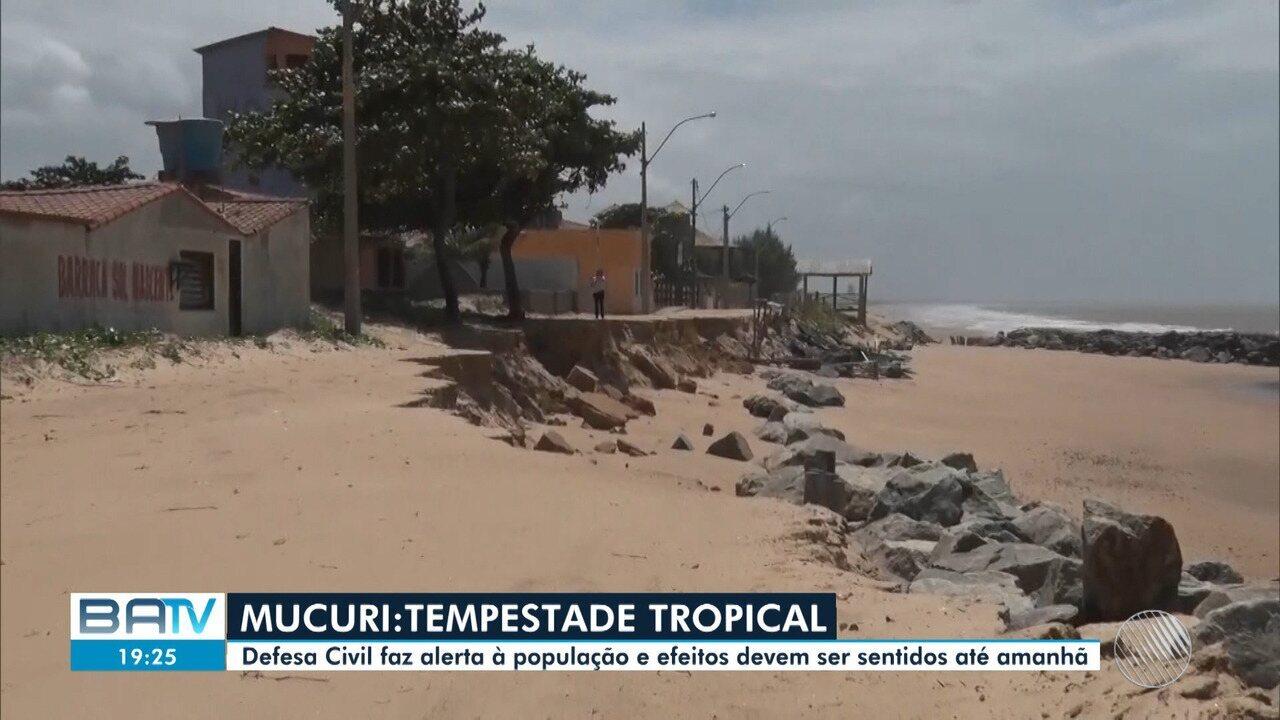 Defesa Civil emite alerta à população sobre os efeitos causados pela tempestade tropical