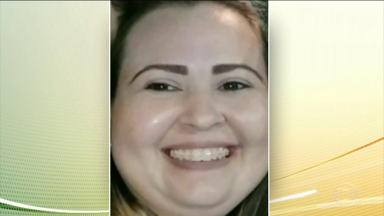 A vítima recebeu uma ligação avisando que o ex estava indo para o local matá-la