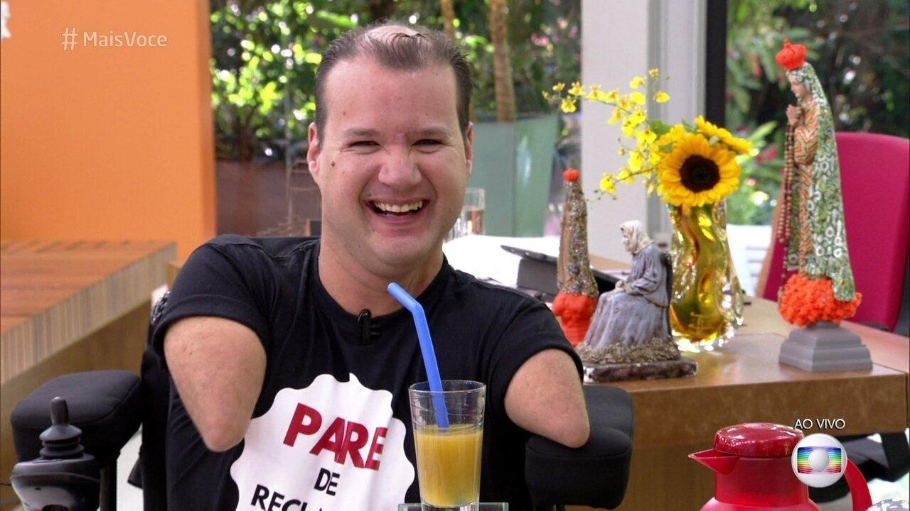 Marcos Rossi toma café da manhã com Ana Maria Braga