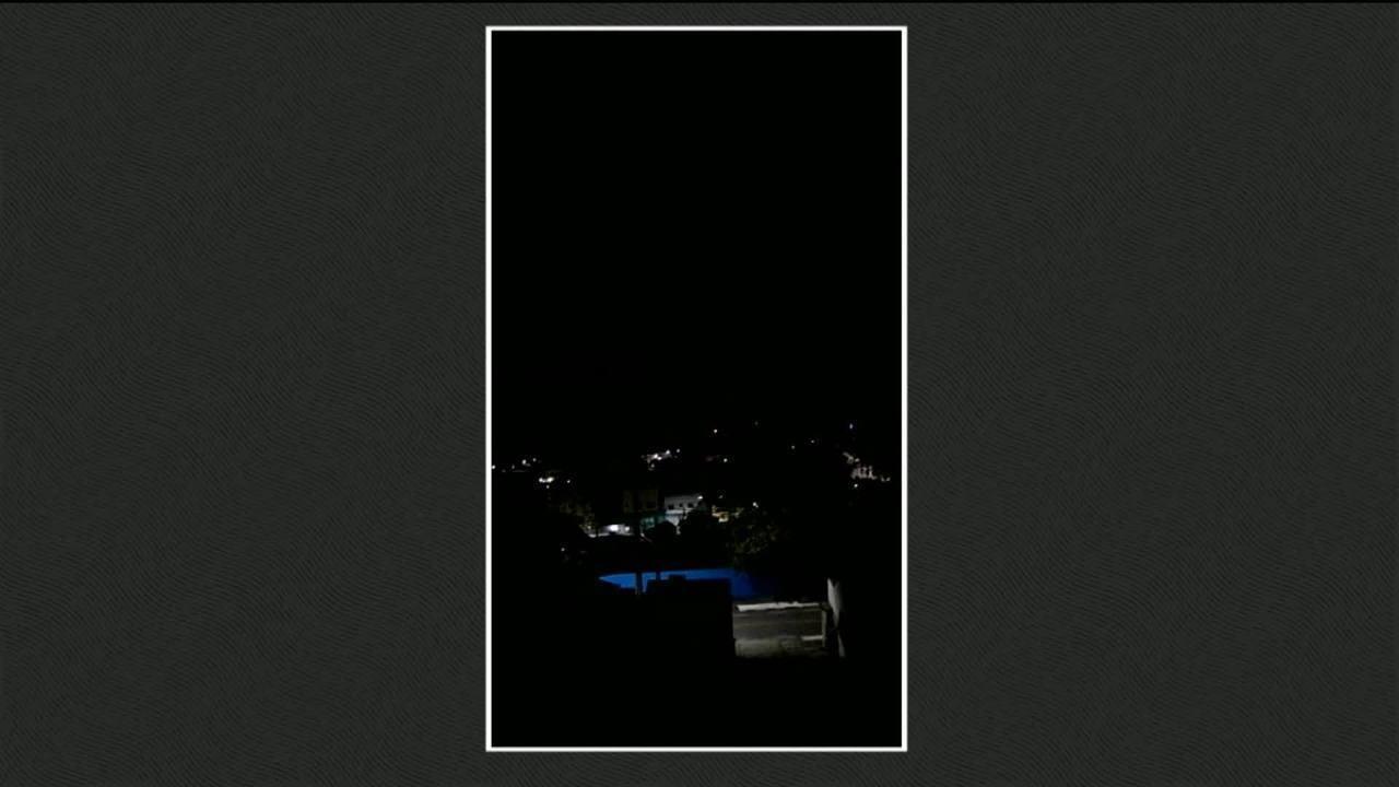 Moradores registram momento do tiroteio entre bandidos e policiais em Guararema, SP