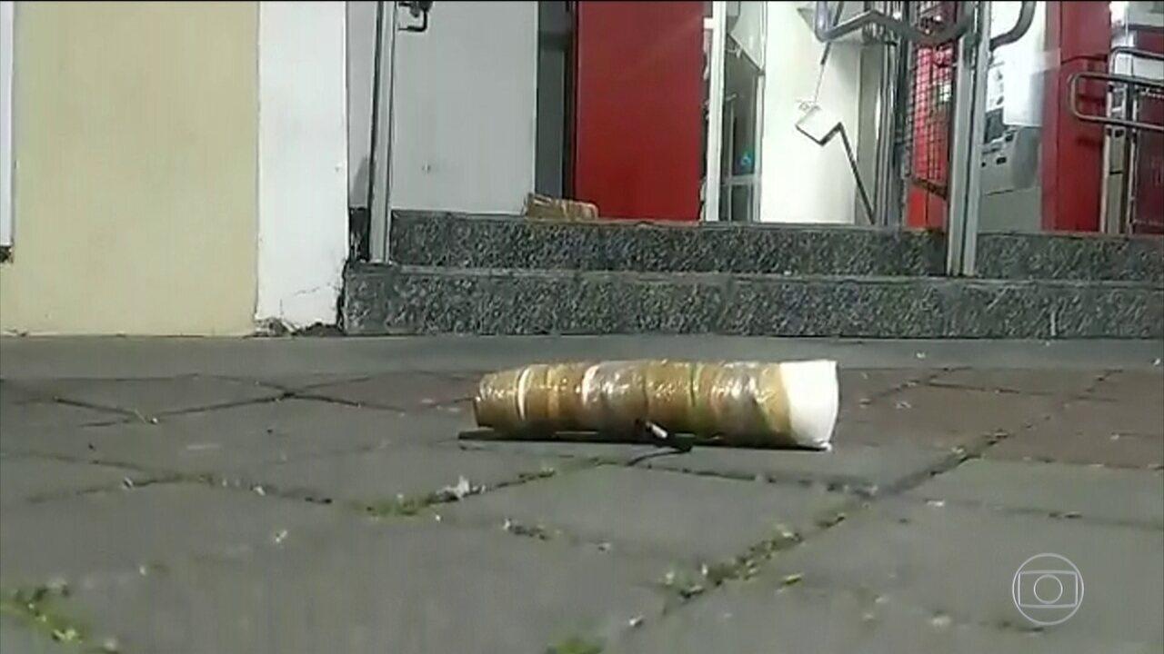 Tentativa de roubo a banco termina com morte de 11 suspeitos em Guararema (SP)