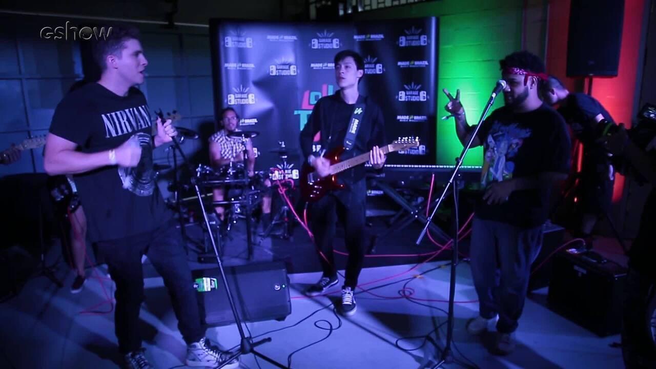 Thiago Fragoso cantou nos bastidores do Lollapalooza 2019