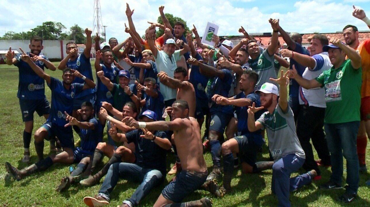 """Gol aos 45 e festa com """"flecha"""": comemoração do Altos por ir à final do Piauiense"""