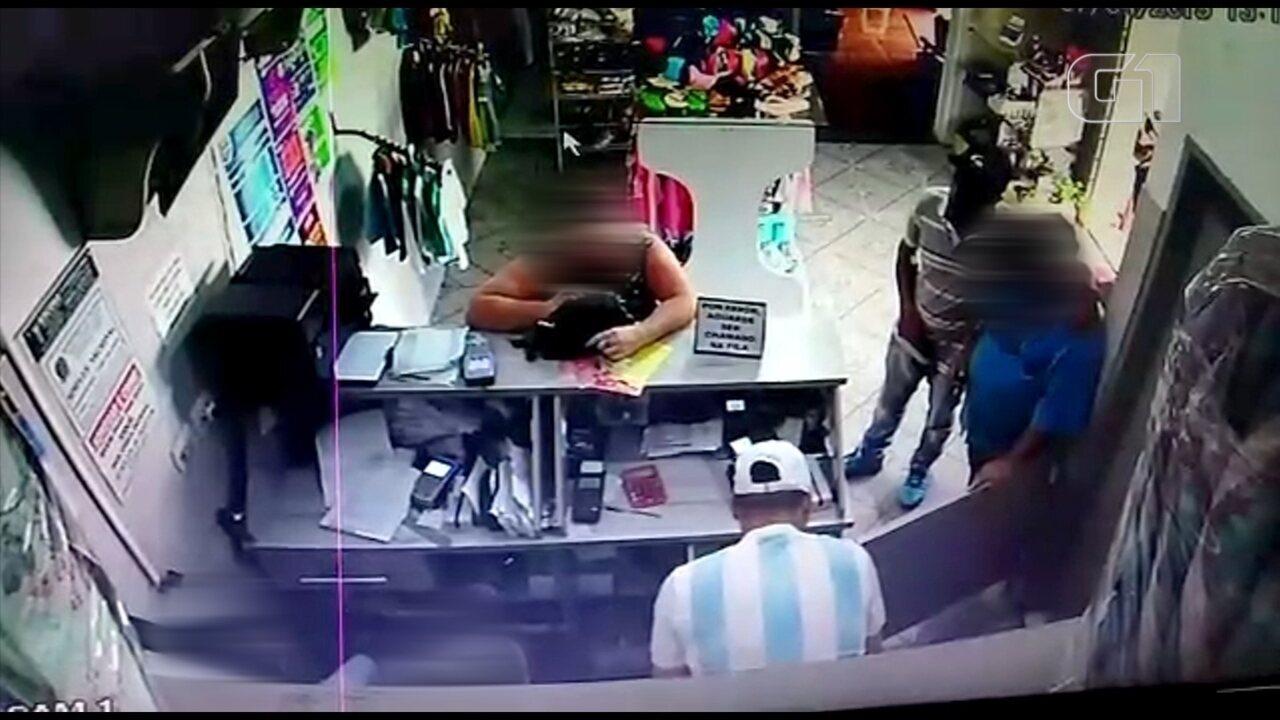 Ladrões roubam mais de R$ 52,4 mil de posto bancário de Itaí