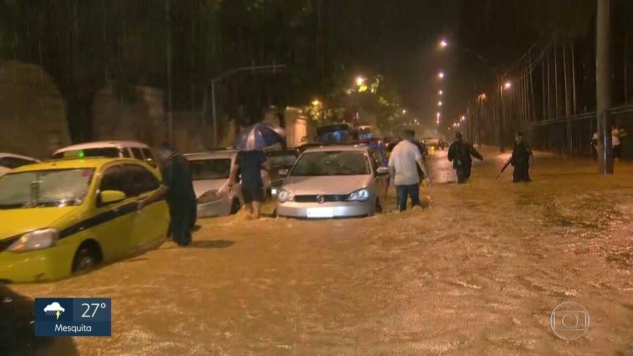 Marcelo Crivella diz que houve planejamento da prefeitura para as chuvas