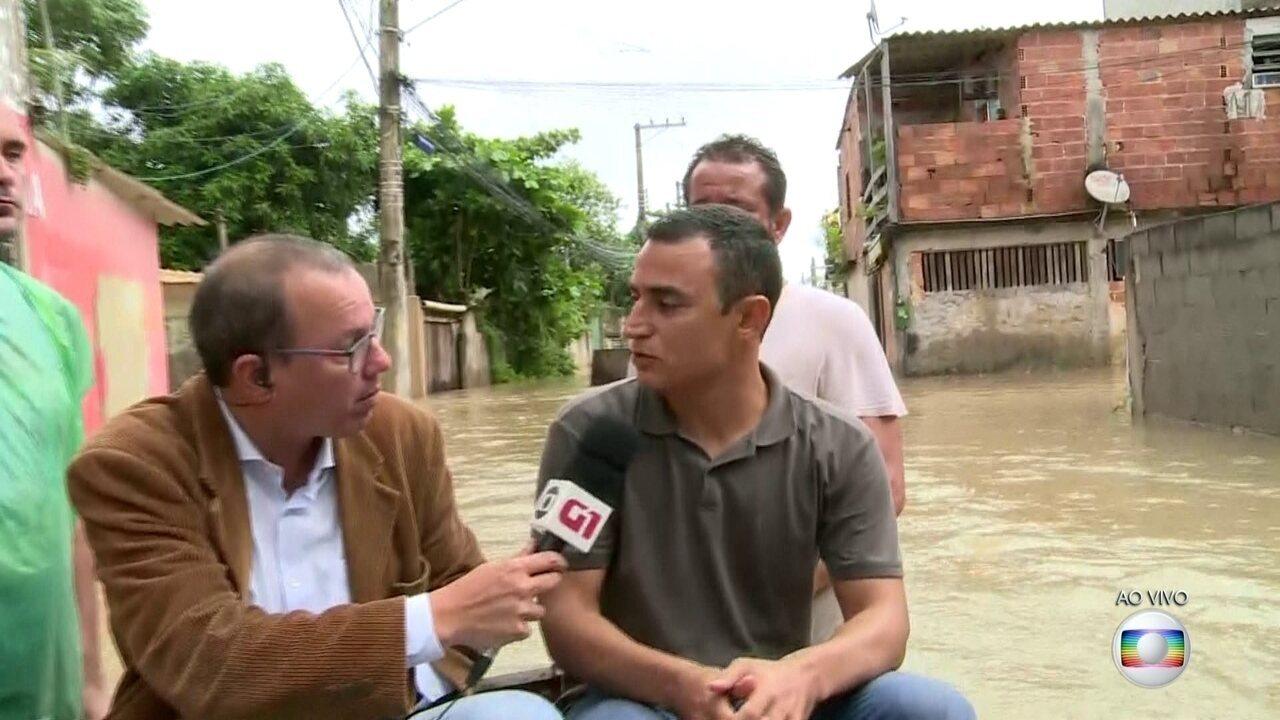 Moradores de Sepetiba reclamam da falta de ajuda da prefeitura após forte chuva