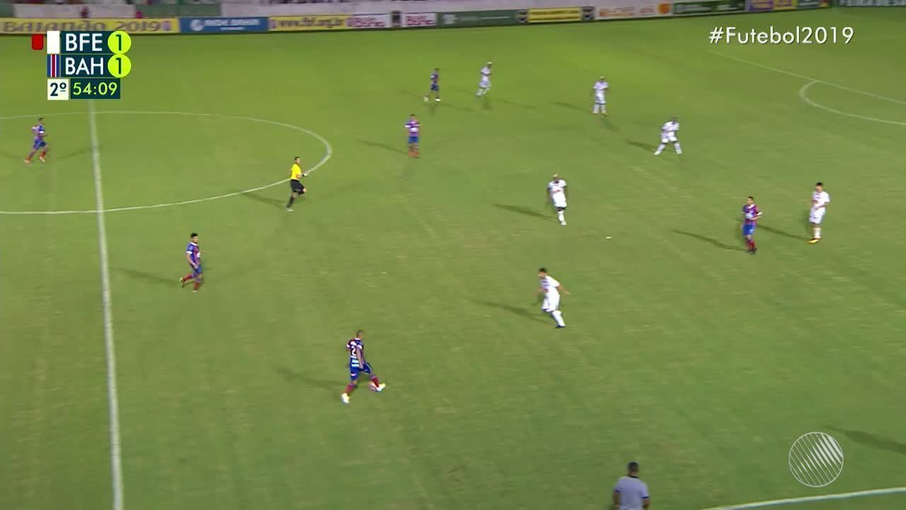 54': Jair faz milagre e evita gol do Bahia