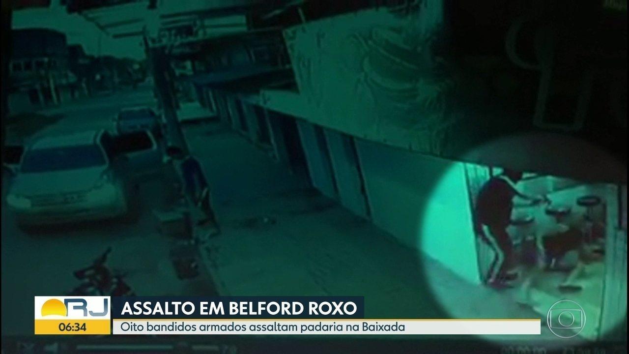 Bando armado assalta padaria em Belford Roxo.