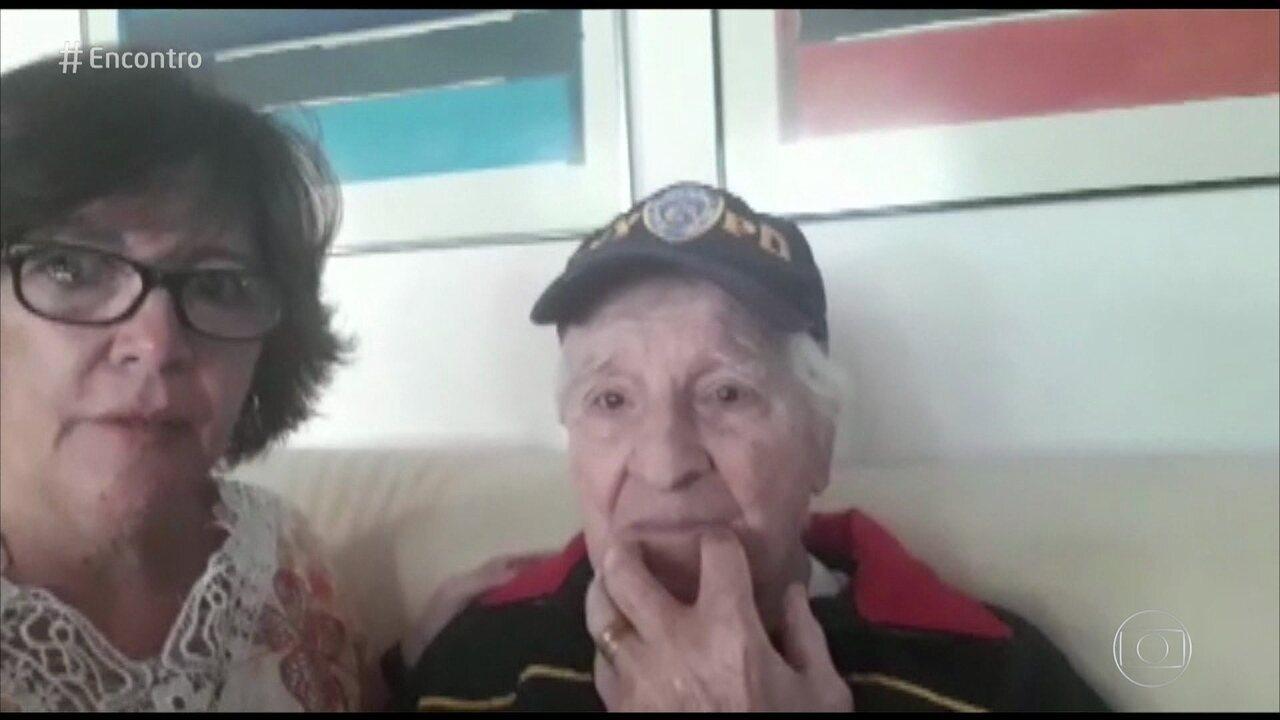 Seu Valdir e a filha agradecem atendimento do enfermeiro Flávio