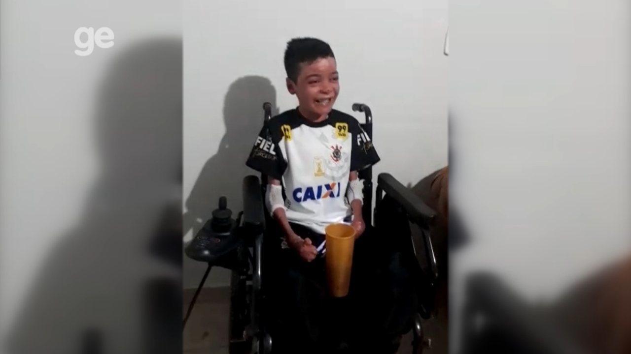 Resultado de imagem para Torcedor com doença rara é convidado pelo Corinthians para final contra o São Paulo na Arena