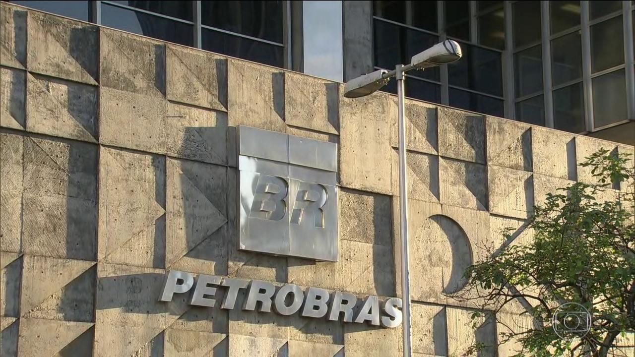 Governo afirma que Petrobras é quem decide sobre reajuste do diesel