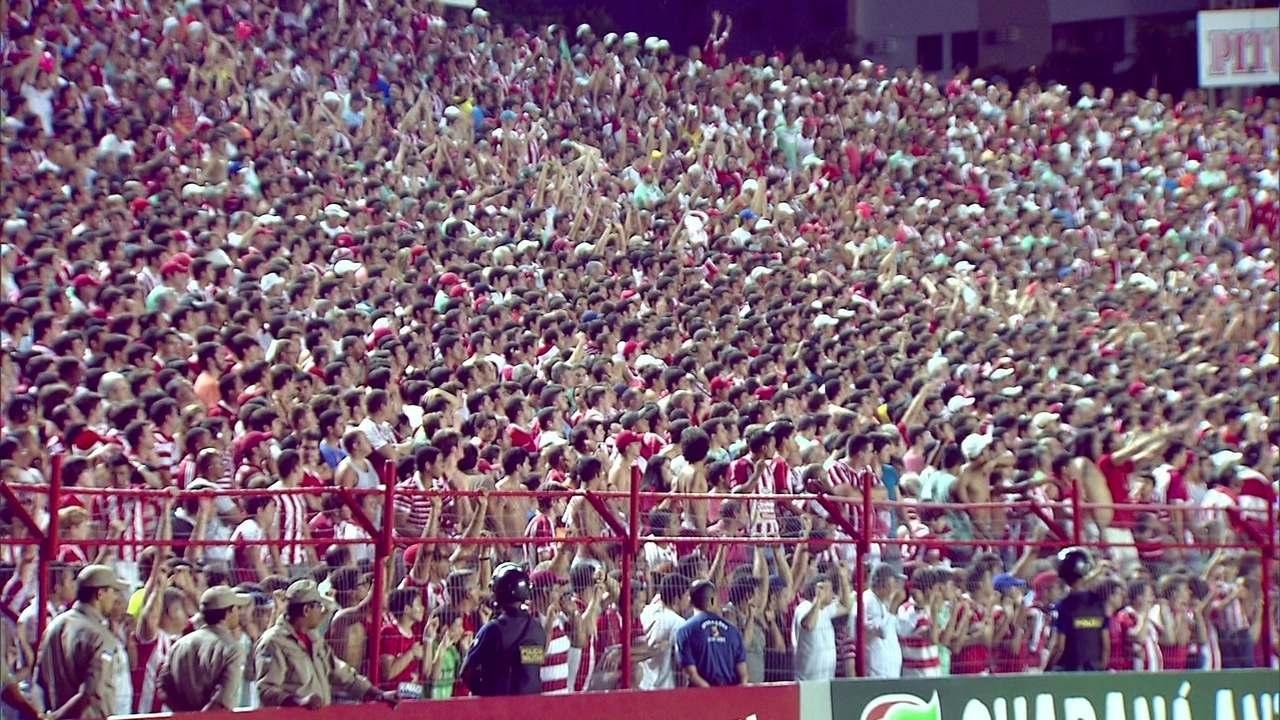 Náutico vence Sport em 2012 e decreta rebaixamento do rival