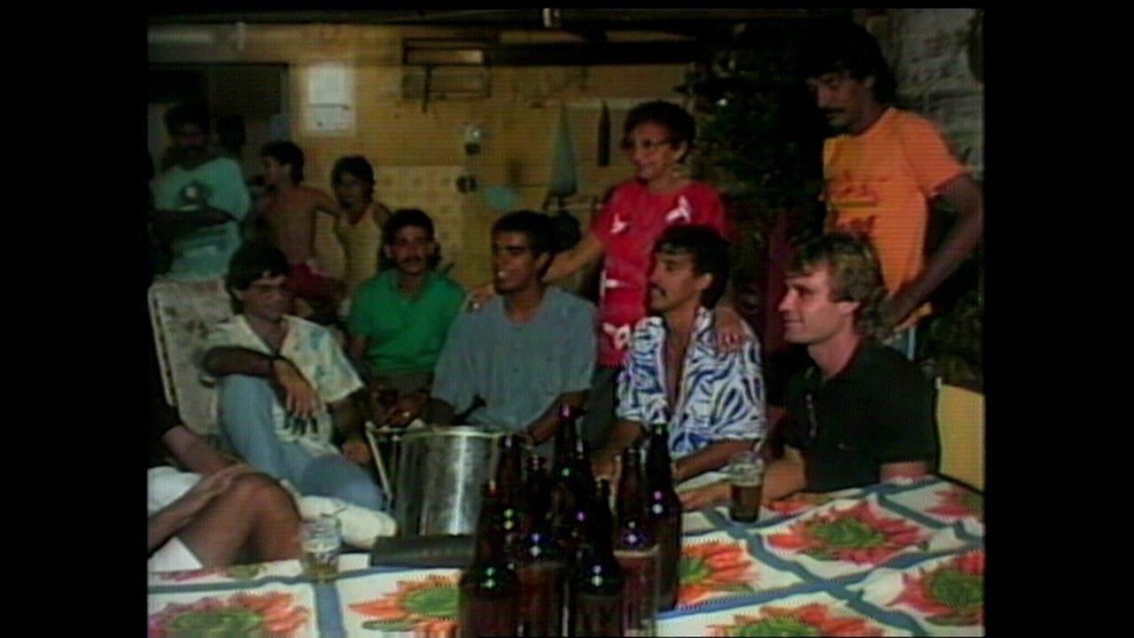 Jogadores do Sport comemoram título de 1988 com pagode