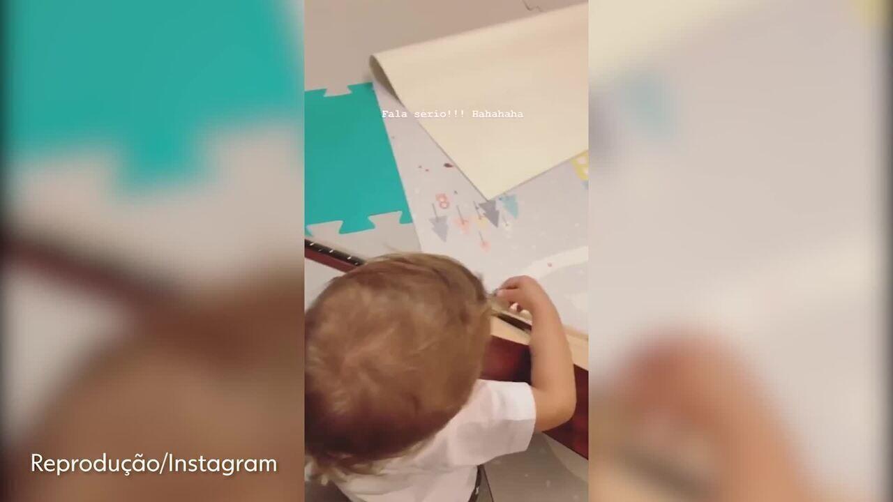 Filho de Júnior Lima mostra intimidade com instrumentos