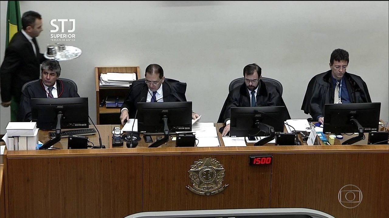 Reynaldo Soares e Marcelo Navarro acompanham voto do relator