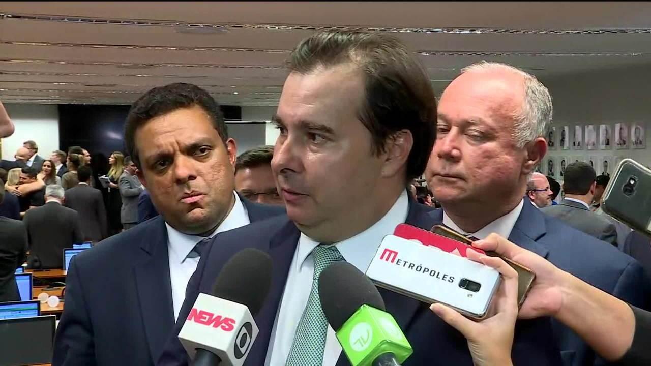 Rodrigo Maia comenta parecer a favor da reforma da Previdência na CCJ
