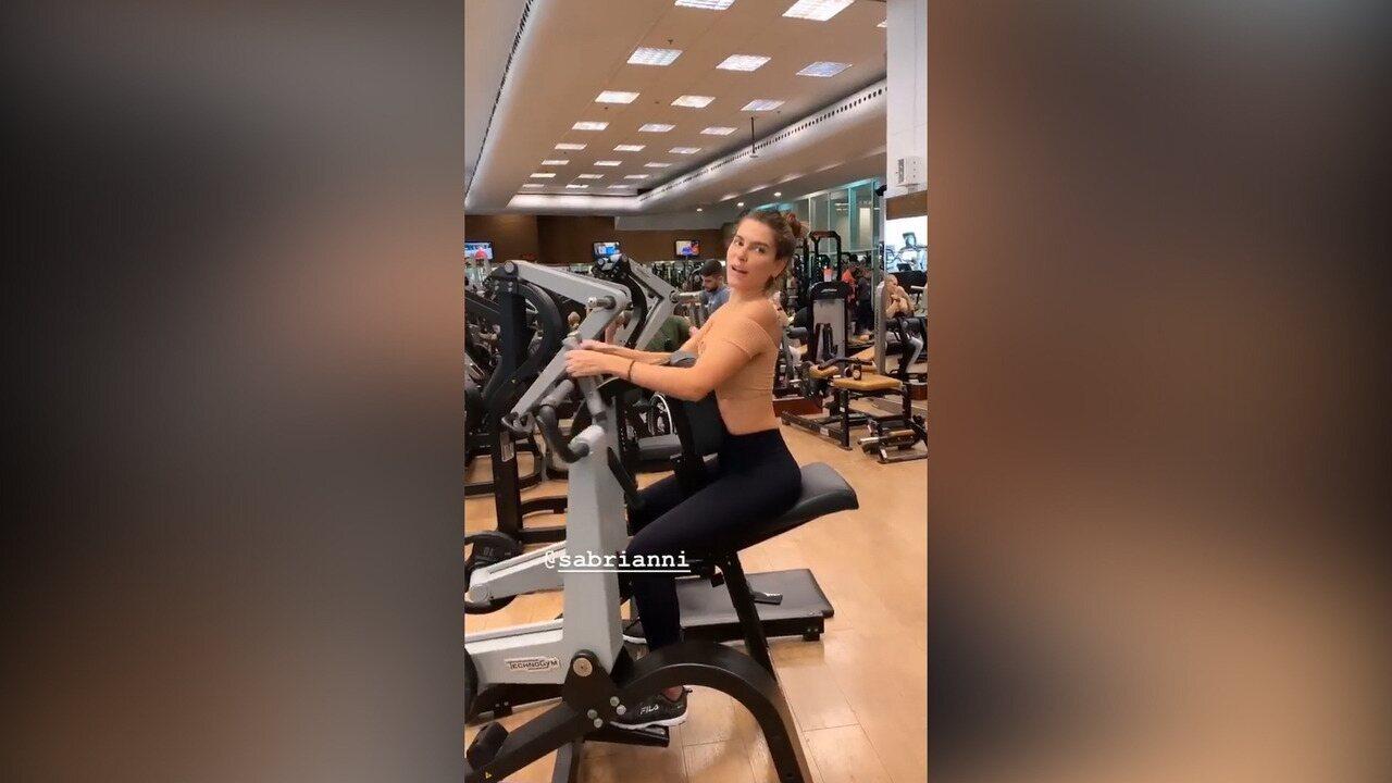 Mariana Goldfarb mostra sua série de exercícios