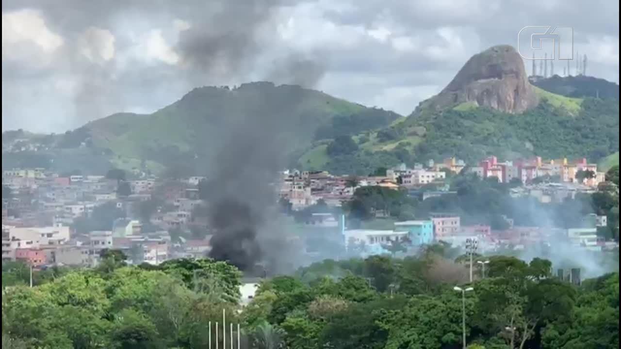 Incêndio atinge subestação de enrgia da UFES, em Vitória