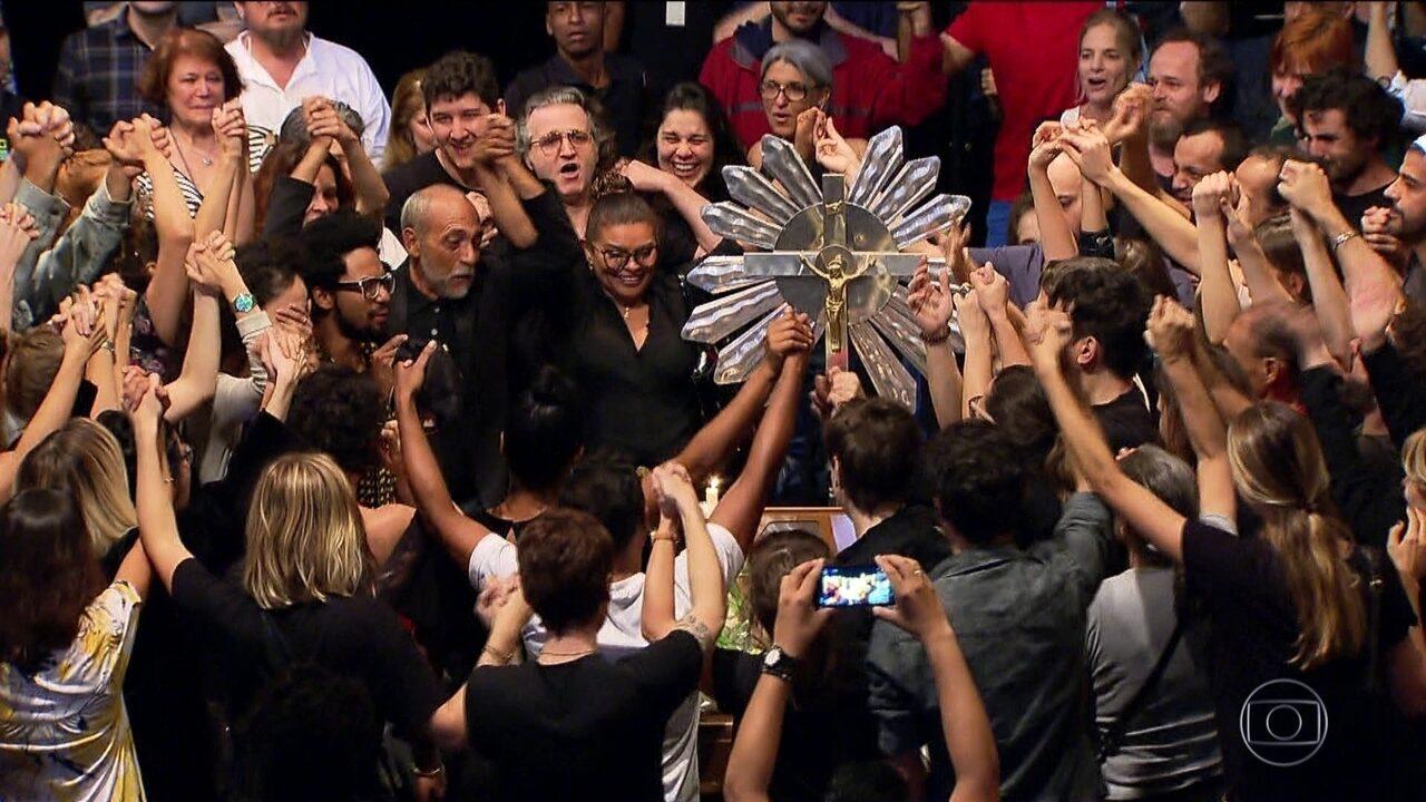 Artistas ressaltam que, sempre atrás do novo, Antunes renovou o teatro brasileiro