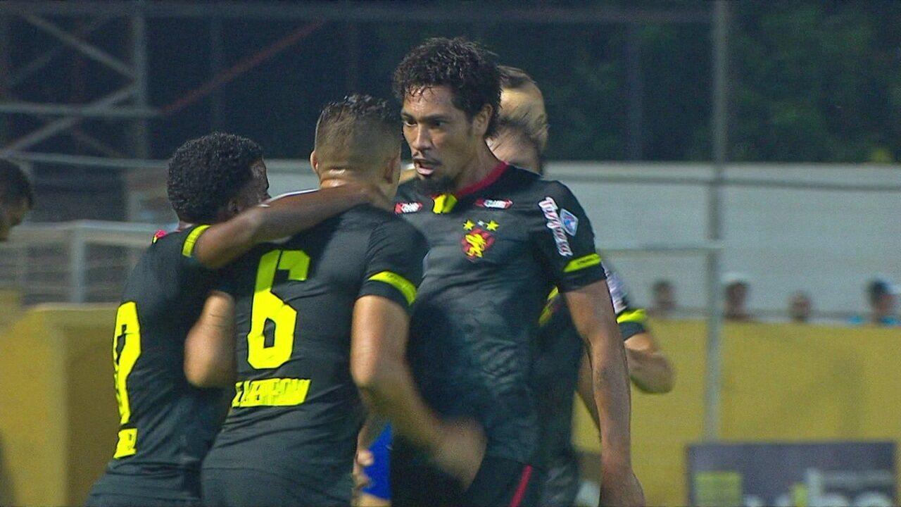 Ezequiel também serviu Hernane Brocador diante do Bragantino