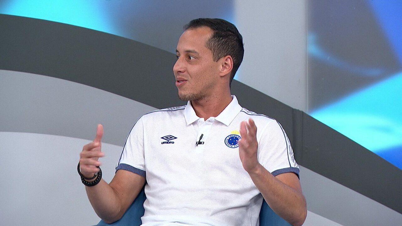 Rodriguinho fala da importância de Mano Menezes no bom desempenho no Cruzeiro