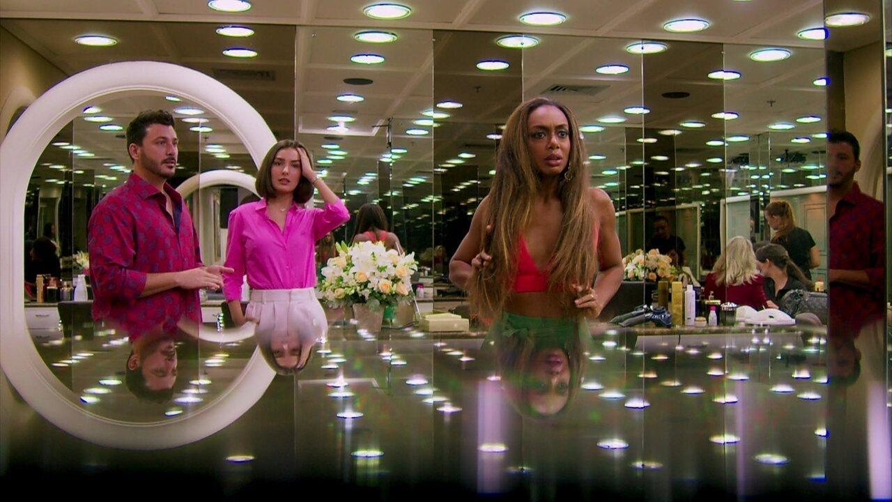 Dandara chora com o alisamento de cabelo e Luisinho diz que Mercedes mandou
