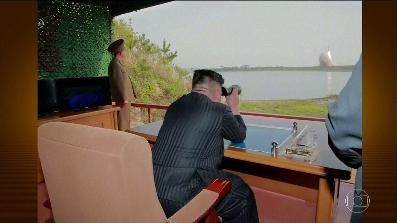 Coreia do Norte faz novo lançamento de mísseis