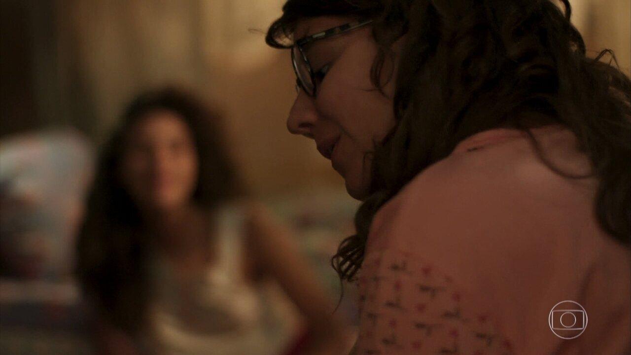Raíssa canta sua música para Rita