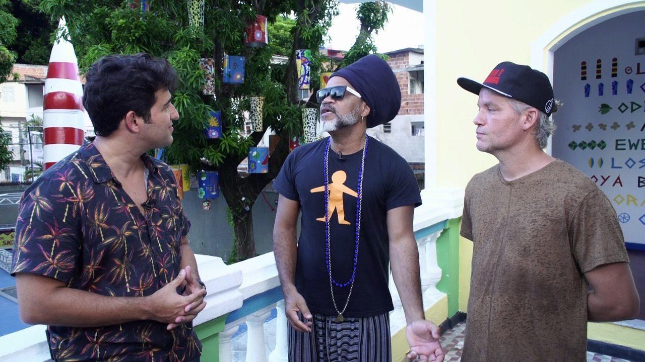 Timbó bate-papo com os músicos Carlinhos Brown e Jair Resende sobre o Candyall e Tal