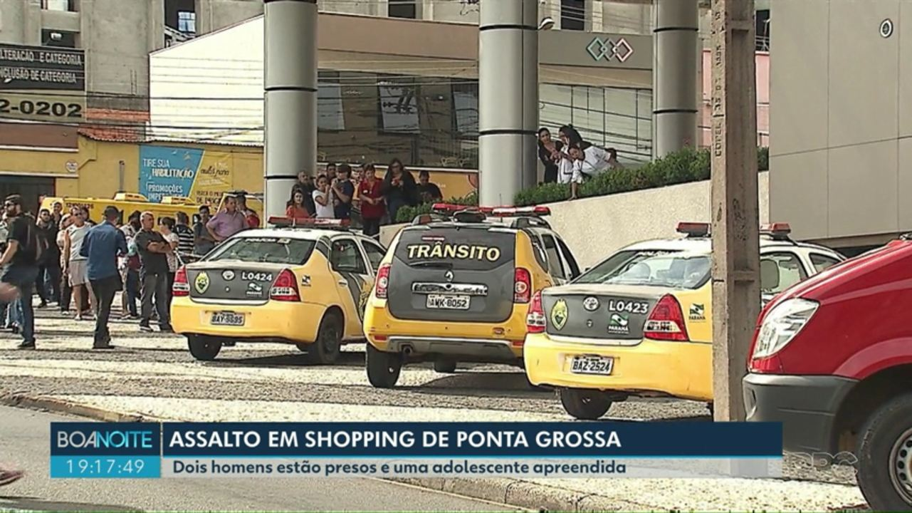 Três suspeitos rendem funcionários e roubam celulares de loja em shopping de Ponta Grossa, diz polícia