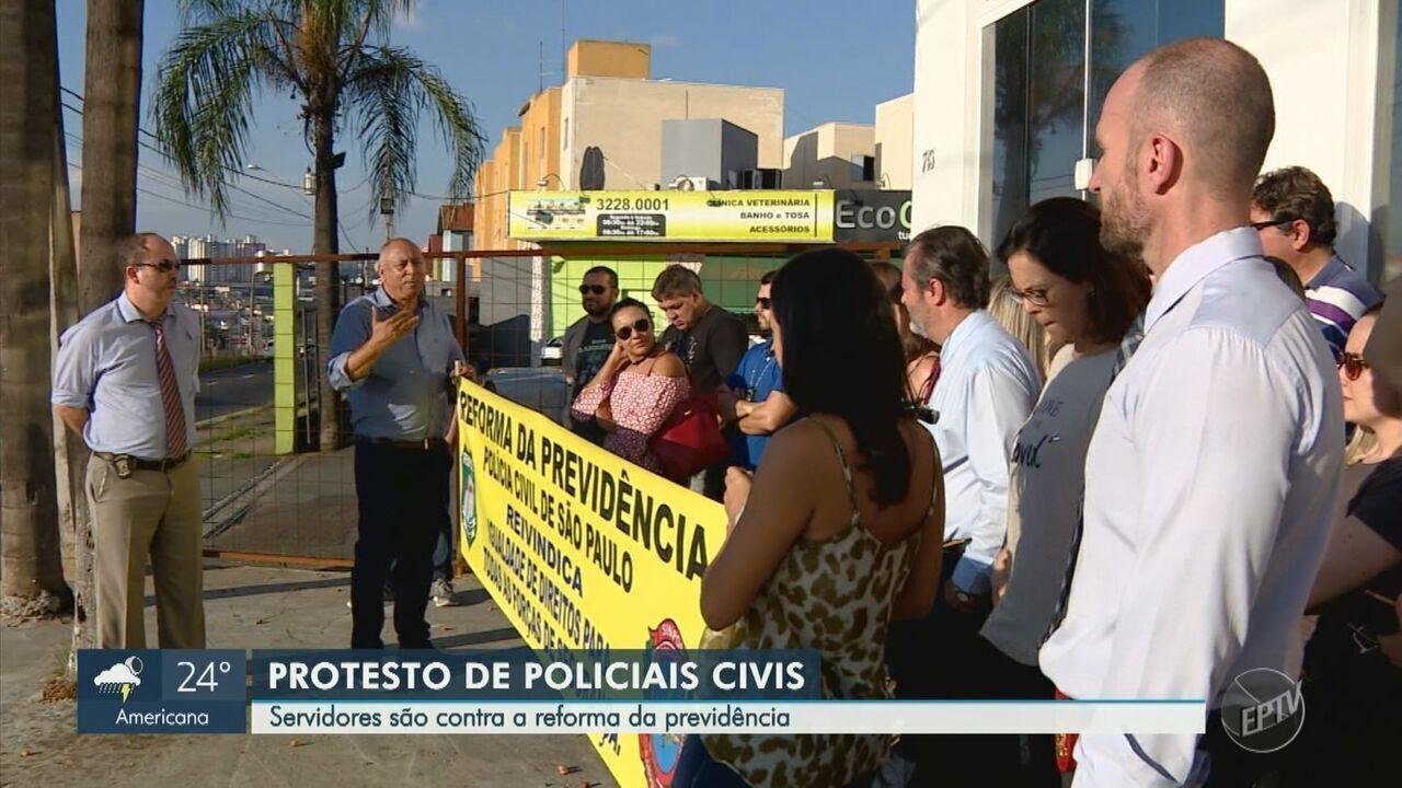 Policiais civis fazem protesto contra a Reforma da Previdência, em Campinas