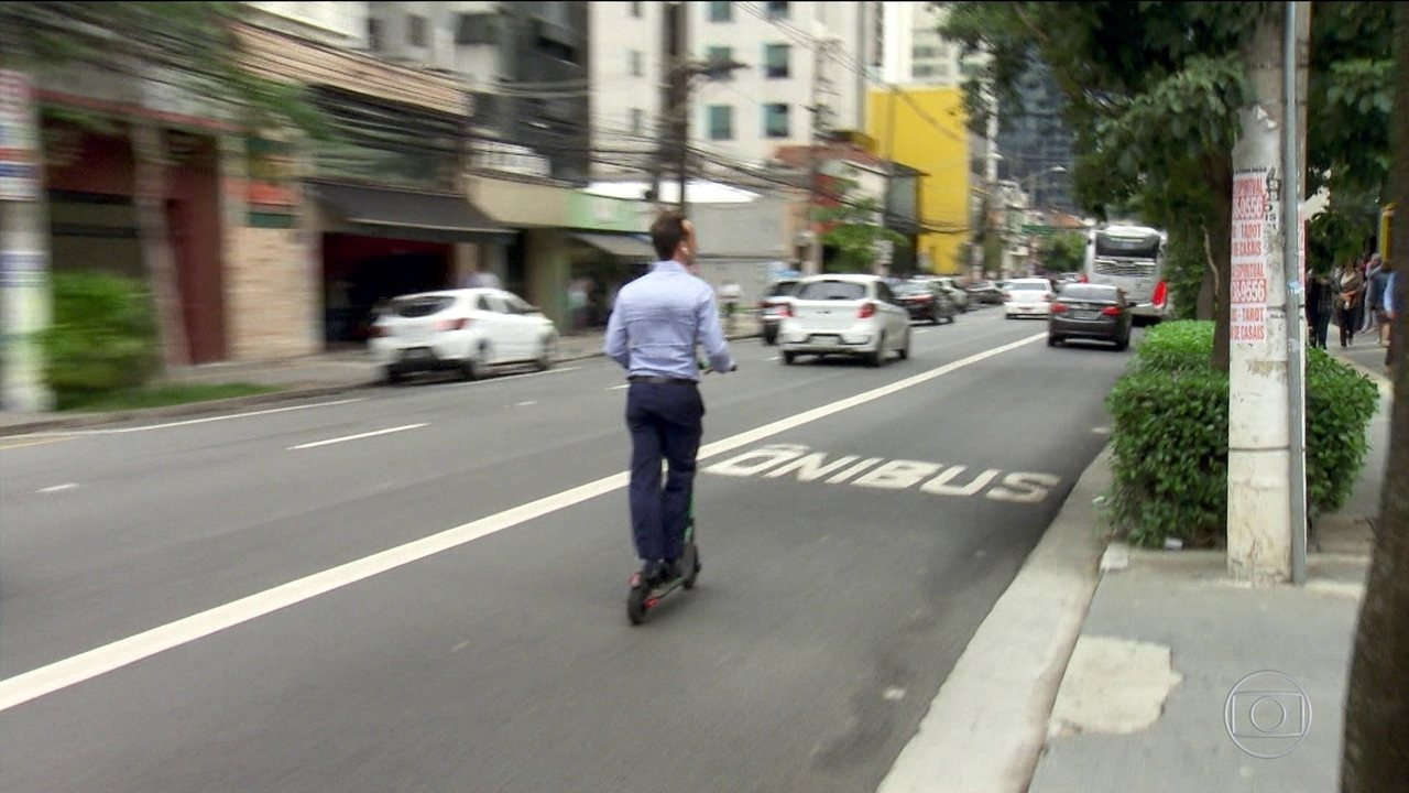 São Paulo é a primeira cidade brasileira a regulamentar uso dos patinetes elétricos