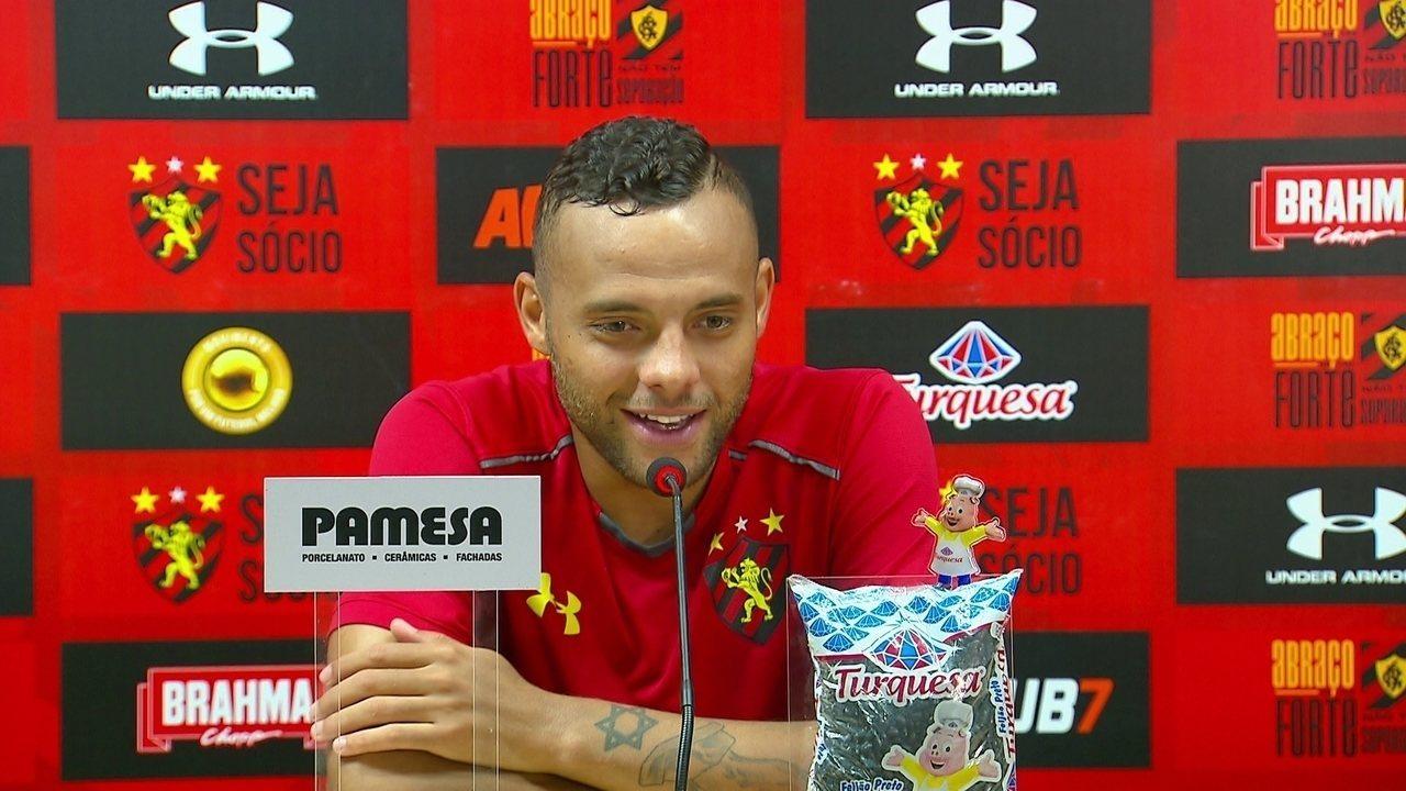 Atacante Guilherme fala em entrevista coletiva no Sport