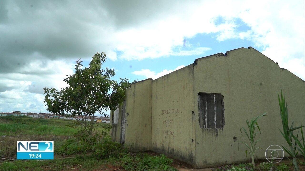 Famílias atingidas por enchente em 2010 na Mata Sul do Estado ainda estão sem moradia