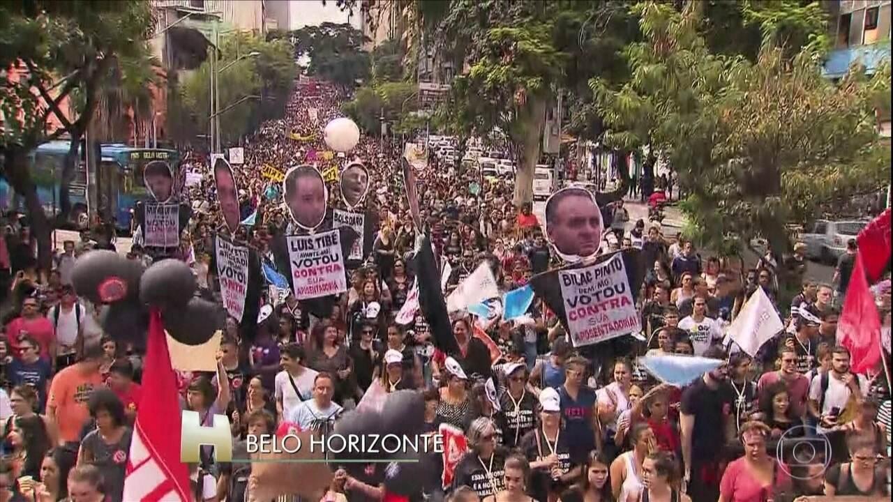 Boletim: 112 cidades realizam manifestações contra o corte de verbas na Educação
