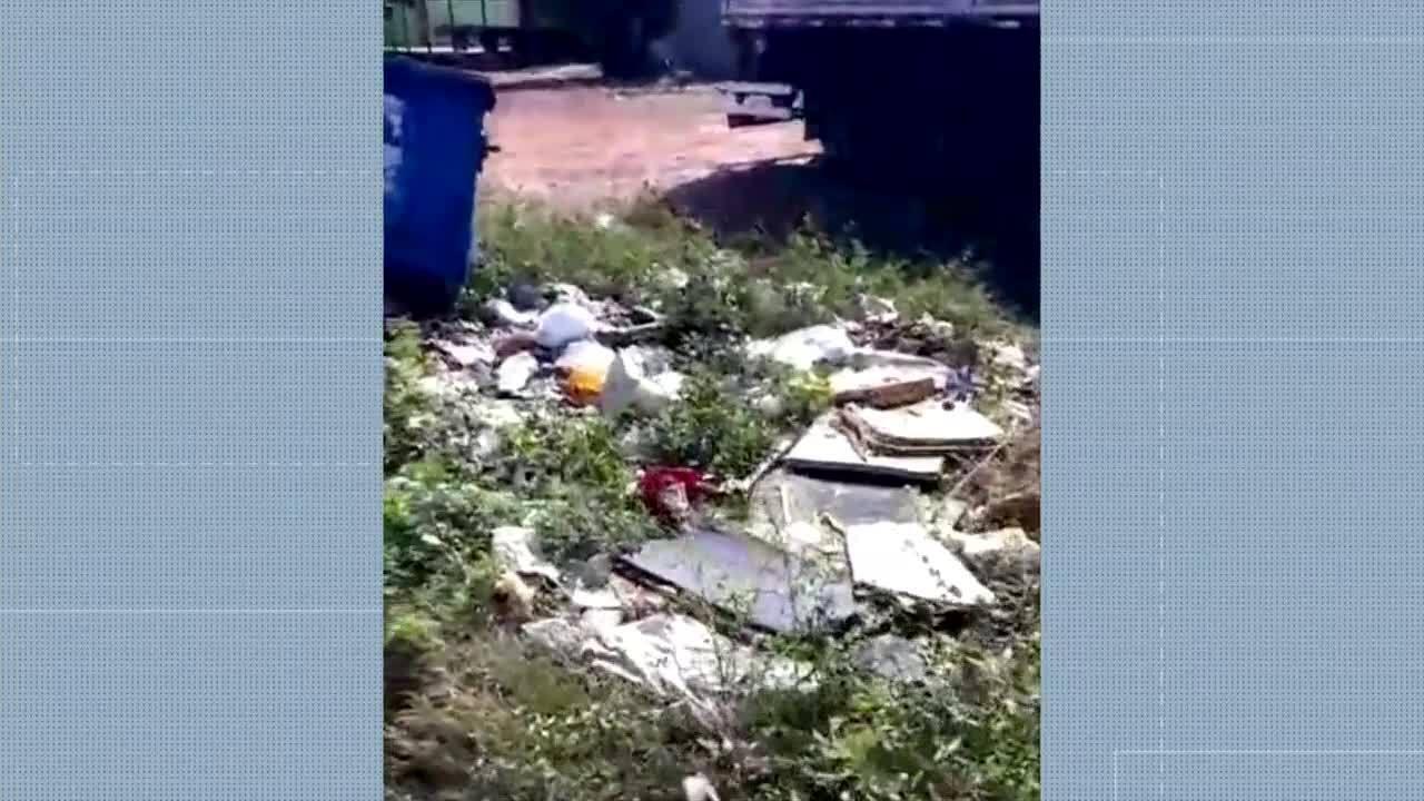 Moradora denuncia lixo jogado em matagal dentro da quadra 305 Norte